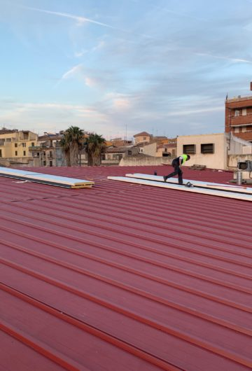 Acabades les obres del canvi de teulada del local social