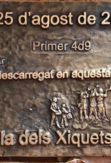 Reconeixement de l'Ajuntament del Catllar i placa pel quatre de nou.